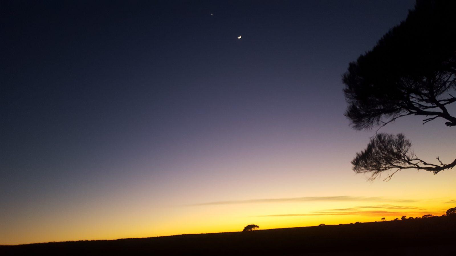 Lever soleil désert